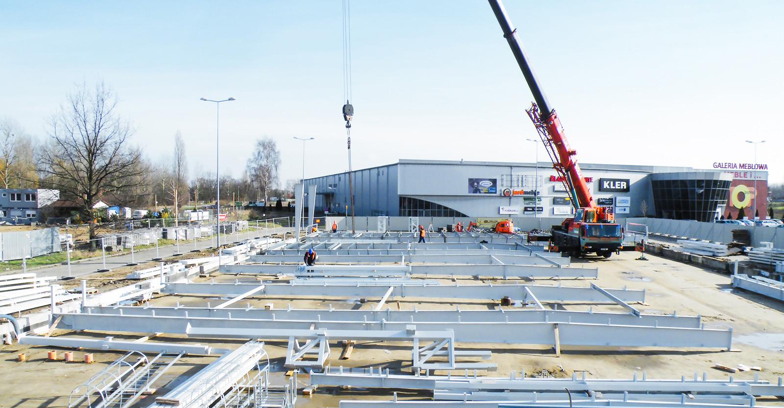 przygotowanie do wznoszenia konstrukcji stalowej-hala handlowa, w konstrukcji stalowej, generalne wykonawstwo CoBouw Polska, Szczecin