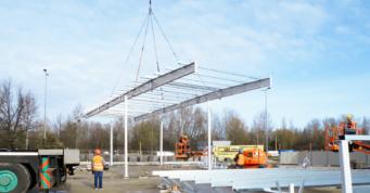 wznoszenie konstrukcji stalowej-stalowa hala handlowa, dla firmy Boboland, Szczecin, woj. zachodniopomorskie